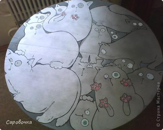 Был старый круглый старый стол, нашла классную картинку в нете и вот вам результат))  фото 1