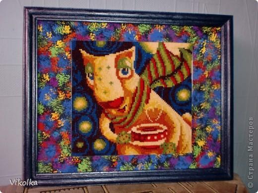 """Вот такая серия """"звездных инопланетян"""" появилась у фирмы Риолис.  Купила всех, вышила одного, не люблю шить все сюжеты сразу! Долго лежал  не оформленный, думала....  Придумала!!! Ватман, гуашь, акриловые краски для рамки и больше ничего! фото 1"""