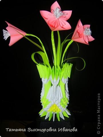 Эту вазочку мы собрали вместе с дочкой.