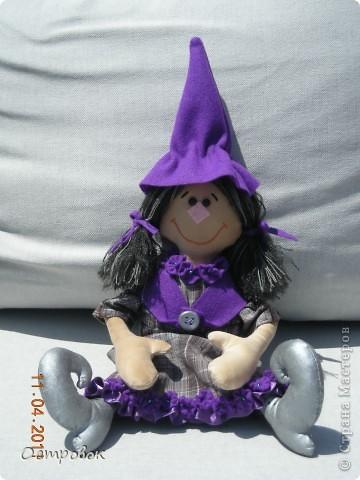 Вот такая девочка-ведьмочка!!! Забавная и абсолютно не злобная!!! Придумала образ и в первый раз сама нарисовала выкройку! фото 2