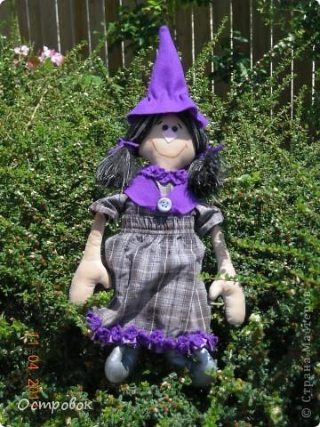 Вот такая девочка-ведьмочка!!! Забавная и абсолютно не злобная!!! Придумала образ и в первый раз сама нарисовала выкройку! фото 3