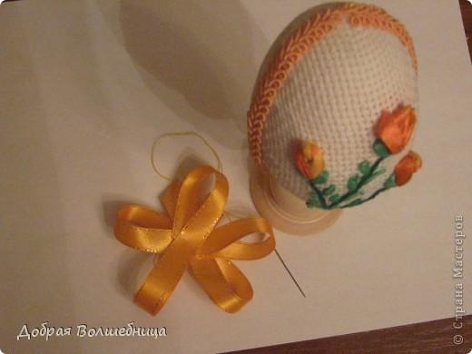 Такие пасхальные яйца мы с ученицами делаем более 10 лет. Яйцо можно выполнить за 3 урока. Идею я брала из журнала (см. комменты).  Всю технологию додумывали сами. фото 15
