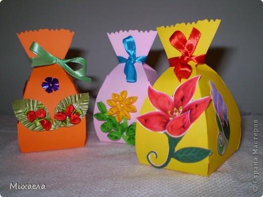 Сделали такие мешочки, а внутри  можно  конфетку для  имениника. фото 2