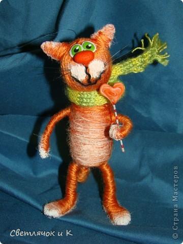 """Сегодня хочу показать свои игрушечки-шерстянушечки.Вдохновили на творчество коты и крыски """"Немаленького""""(это ник,живёт на Лиру,а сейчас у него уже свой сайт  kotodel.ru ) И вы,наверняка,встречали его работы. Очень хотелось придумать что-то своё.  Итак-Лёвушка-двоюродный брат Бонифация) фото 11"""
