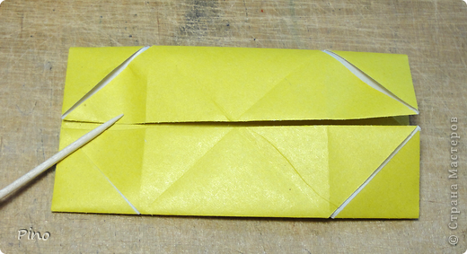 """Кусудама Триединство, а здесь есть схема - http://fikusudama.narod.ru/triedin.html  Ручки чесались на нее уже давно, но один вид схем расхолаживал. Запутывалась я на модуле А, и ни в какую. Со схемами у меня такое довольно часто, тогда приходится звонить брату (он оригами не занимается, но в детстве увлекался бумажным моделированием, а сейчас работает конструктором - не уверена, что именно это помогает ему находить нужные ответы ^_^"""", но факт остается фактом, обычно он помогает понять схему ^_^) с этим модулем мы мучились два вечера... Она состоит из 3 типов модулей. Все они делаются из квадратов одного размера. фото 6"""