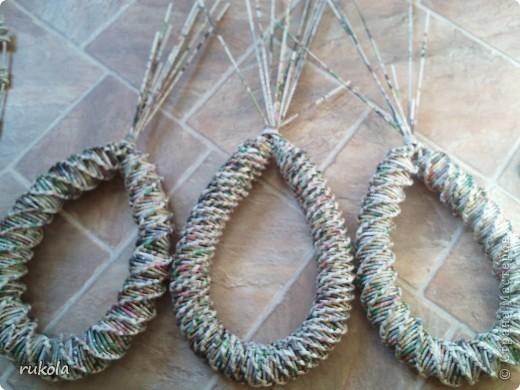 Вот такие у меня получились плетения-изобретения ))) Это камыш,в идеале мной увиденный - был сплетен из соломы... Смотриться красиво,вот только надо окрасить) фото 9