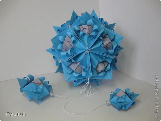 Вот такие цветы на камнях получились: фото 3