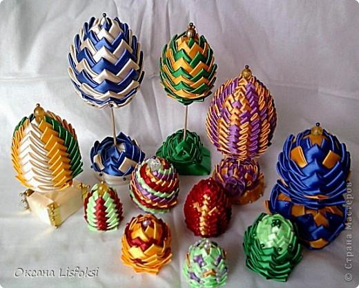 Воодушевленная работой Юлии Владимировны http://stranamasterov.ru/node/165929?c=favorite_1419 решила сделать пасхальное яичко, но процесс так затянул! Остановиться не смогла. Вот что получилось. фото 1