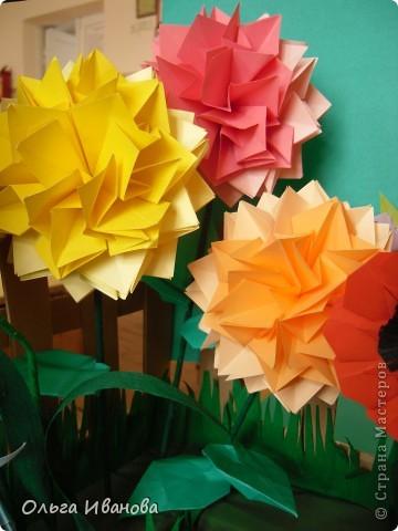 """28, 29 марта в Омске состоялся Фестиваль оригами. Мы с девчонками из кружка тоже приняли участие. Это одна из наших работ """"Бабушкин садик"""".  фото 5"""