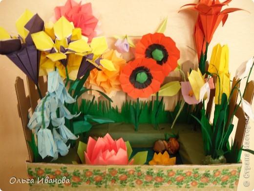 """28, 29 марта в Омске состоялся Фестиваль оригами. Мы с девчонками из кружка тоже приняли участие. Это одна из наших работ """"Бабушкин садик"""".  фото 1"""