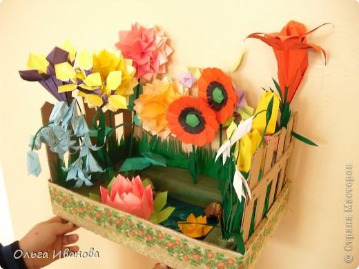 """28, 29 марта в Омске состоялся Фестиваль оригами. Мы с девчонками из кружка тоже приняли участие. Это одна из наших работ """"Бабушкин садик"""".  фото 2"""