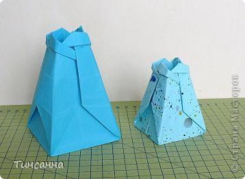 Схему вазочки нашла в книге Валентины Гончар.  Процесс складывания долгий, много вспомогательных сгибов.  Из квадрата со стороной 30см получится ваза высотой10см, из квадрата, сделанного из стандартного листа А4 – высота вазы 7,5см.  фото 1