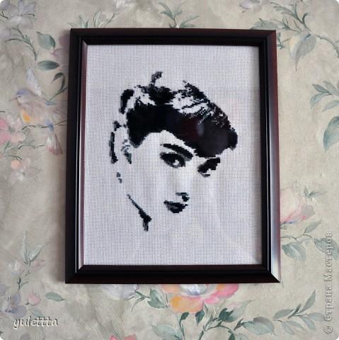 Мне всегда нравилась эта актриса, и вот решила вышить ее портрет. Она как идеал красоты, женственности, изящества... фото 1