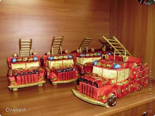 Машины выполнялись на заказ в организацию к Дню пожарника. фото 2