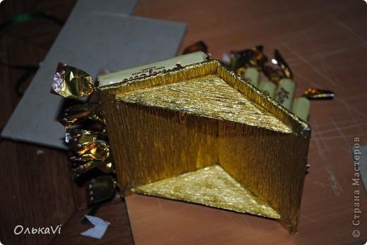 Вот такую композицию сделала в подарок свекрови на день рождения. В домике прячется баночка с чаем. Размеры композиции 31х26, высота 35 см. фото 7