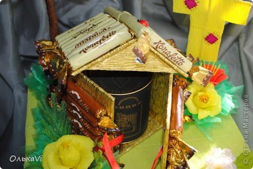 Вот такую композицию сделала в подарок свекрови на день рождения. В домике прячется баночка с чаем. Размеры композиции 31х26, высота 35 см. фото 12