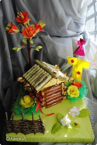Вот такую композицию сделала в подарок свекрови на день рождения. В домике прячется баночка с чаем. Размеры композиции 31х26, высота 35 см. фото 14