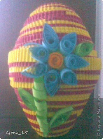 Пасхальное яйцо из гофрированного картона.