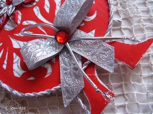 Мы продолжаем вечер наш... начало здесь http://stranamasterov.ru/node/180820?t=blog Эта открытка состоит из 2-х частей чуть по разному украшенных. Пасха ассоциируется у меня с  богатым и торжественным убранством, золотом и серебром, цвета белый, красный, лазоревый. Представляю вам красное на белом с серебром. фото 2