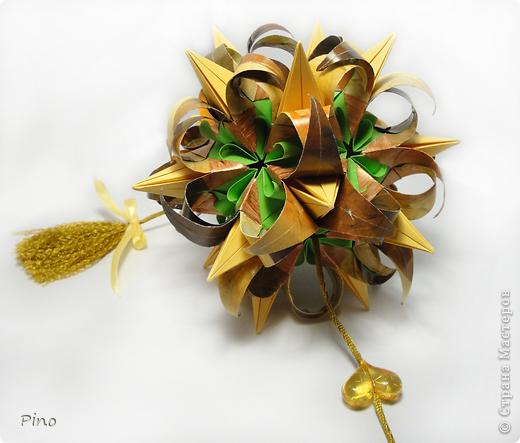 Кусудама Curly-Blossomed, автор Ханина Наталия. Схема здесь http://ru-kusudama.livejournal.com/168979.html?thread=1512467  фото 4