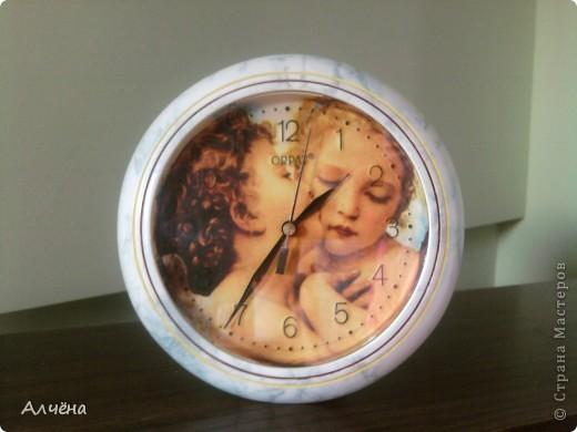 Моя первая работа в технике декупаж,приукрасила старые часы!!!!