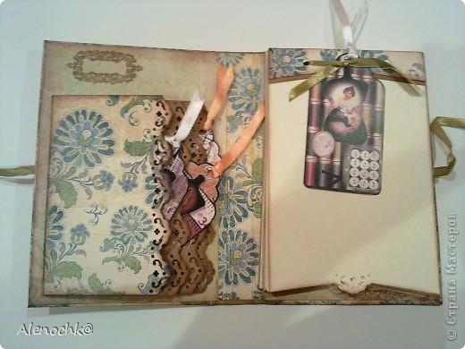 Блокнот сделан для знакомой, которая занимается шитьем на заказ. Она будет делать зарисовки заказанных моделей и записывать мерки клиентов... фото 2