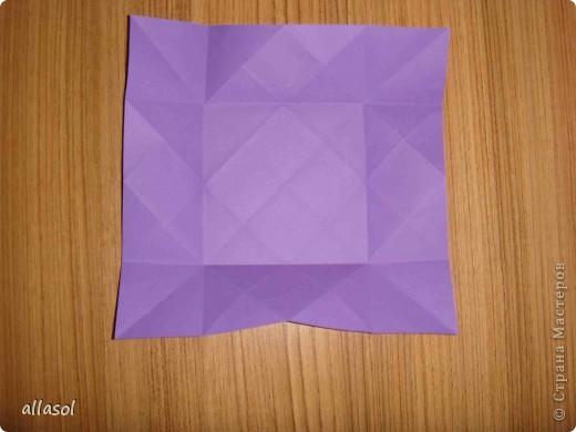 """Идея из книги Афонькиных """"Цветущий сад оригами"""".  Предлагаю сделать цветы тем, кто не боится слов """"сложить по всем намеченным линиям"""".  Делала немного по-другому, чем в книге.   фото 7"""