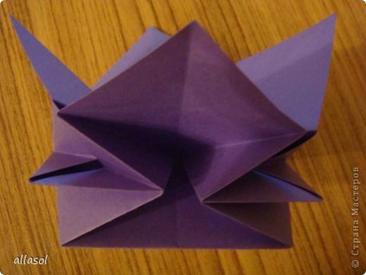 """Идея из книги Афонькиных """"Цветущий сад оригами"""".  Предлагаю сделать цветы тем, кто не боится слов """"сложить по всем намеченным линиям"""".  Делала немного по-другому, чем в книге.   фото 11"""
