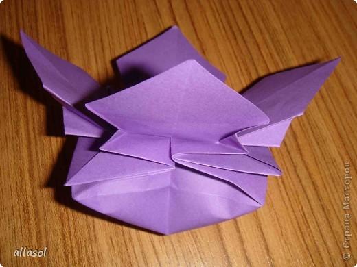 """Идея из книги Афонькиных """"Цветущий сад оригами"""".  Предлагаю сделать цветы тем, кто не боится слов """"сложить по всем намеченным линиям"""".  Делала немного по-другому, чем в книге.   фото 20"""