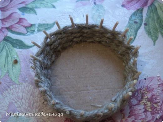 Вот такая корзинка получилась у меня под мои вышитые яйца. Спасибо Светлячку за ссылку!!! фото 8