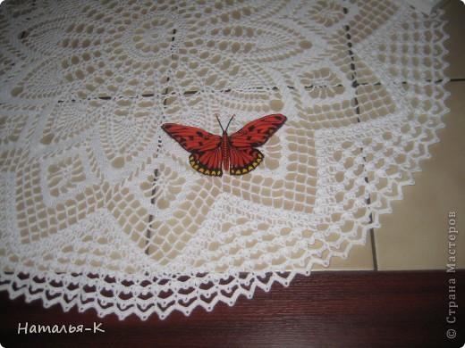 Моя вторая бабочка в технике квиллинг. Ещё ничего не приклеено, просто наброски.  Захотелось скорее похвастать, думаю многим  знакомо это чувство. фото 3