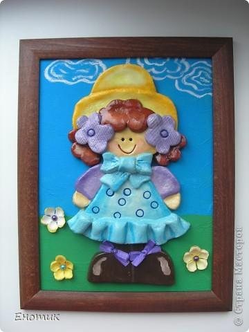 Добрый день! Сделала вот такую куколку, мне она очень тильду напоминает. Картинка найдена в Интернете: кажется, это была аппликация из ткани. фото 1