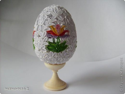 Сделав крышечку для яйца-шкатулки, захотелось сделать целое яичко. Вот что у меня вышло. фото 1
