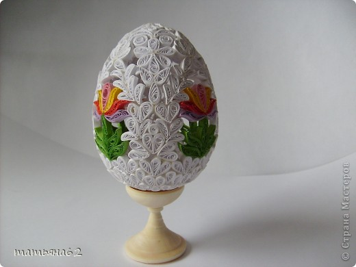 Сделав крышечку для яйца-шкатулки, захотелось сделать целое яичко. Вот что у меня вышло. фото 2
