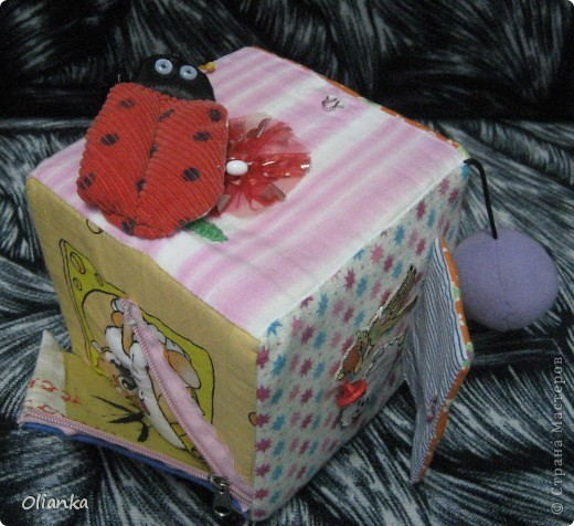 Развивающий куб для ребенка
