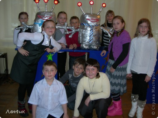 Поучаствовать в конкурсе сайта мы не успели, но зато провели свою городскую выставку, посвященную 50-летию полета Ю.А.Гагарина фото 17