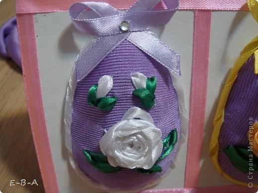 Вот еще яички покрасила к празднику !   материалы: картон. ленты ,ткань . фото 4