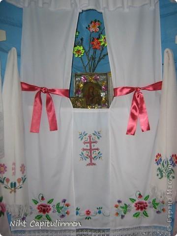 Два набожника у нашей бабули в доме в деревне. Вот и вербочку нарвали и украсили цветами канзаши))) фото 5