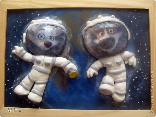Попросили ко Дню космонавтики сделать что-нибудь интересное из солёного теста. Перерыла кучу материала, и вдруг вспомнила про мультик. Вот, что получилось. Не судите строго, это  одна из первых работ. фото 8