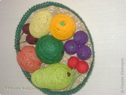 тарелка с фруктами из ниток фото 2