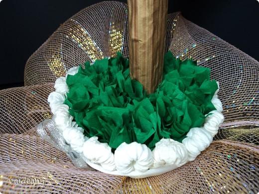 После первого деревца из роз пришла к выводу ,что розочки нужно чередовать с  полузакрытыми бутонами. Вот и получилось это деревце.В высоту 45 см ,диаметр кроны 21 см. фото 4