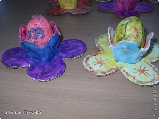 Вот такие яйца из папье-маше в подставочках делали мы с детьми в воскресной школе. фото 12