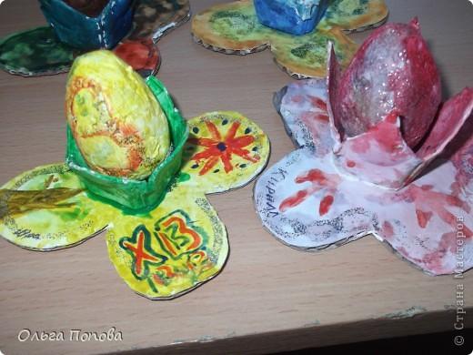 Вот такие яйца из папье-маше в подставочках делали мы с детьми в воскресной школе. фото 13