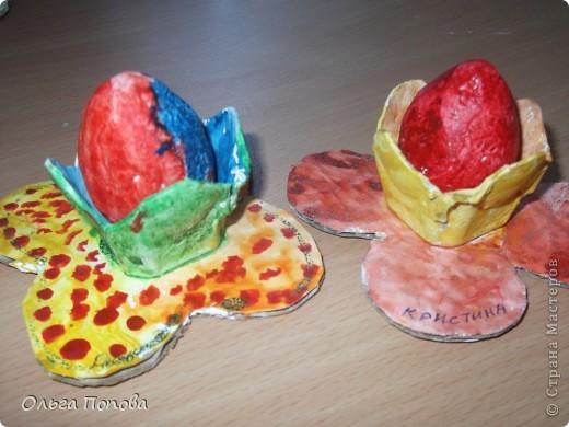 Вот такие яйца из папье-маше в подставочках делали мы с детьми в воскресной школе. фото 14