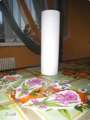 Нужно было сделать подарок одному хорошему человеку,салфетку давно облюбовала, а вот вазочку недавно купила.  фото 2