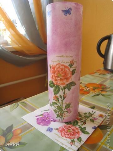 Нужно было сделать подарок одному хорошему человеку,салфетку давно облюбовала, а вот вазочку недавно купила.  фото 1