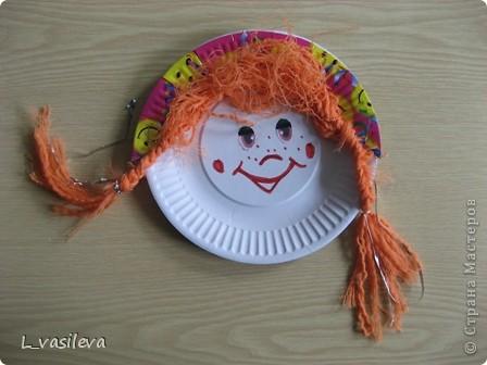 Жил на арене рыжий клоун, Как будто счастьем нарисован! Улыбкой, красками одежды Дарил он радугу надежды: И детворе, и людям взрослым. С ним было сказочно и просто. Ольга Уваркина  Работа Копалиной Яны (9 лет) фото 7