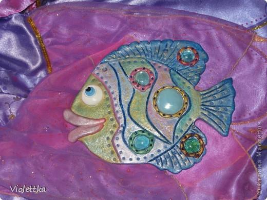 Рыбка-гламурненькая (Моя первая работа рыба), спасибо всем мастерицам сайта за вдохновение, пример! Вот такая рыбка родилась благодаря вам! Рыбка сделана в пару к уже имеющейся дома ,купленной нами 2 года назад, та сделана из глины  фото 5