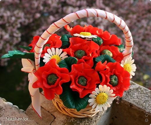 Давно мечталось о маках... Такие красивые цветы, просто огненные. Ну и несколько ромашек, чтоб подчеркнуть яркий красный. фото 3