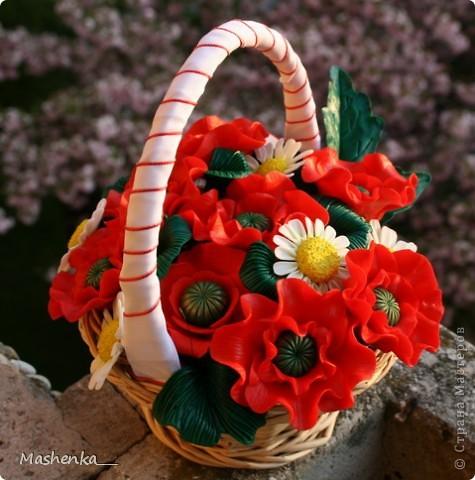 Давно мечталось о маках... Такие красивые цветы, просто огненные. Ну и несколько ромашек, чтоб подчеркнуть яркий красный. фото 2